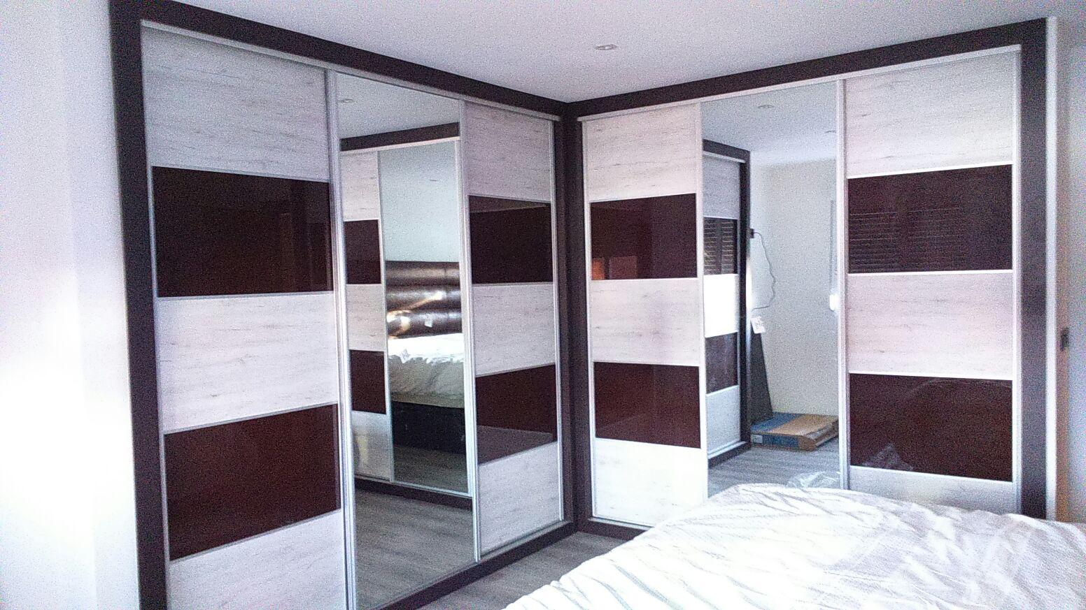 armario-morado-blanco-roto