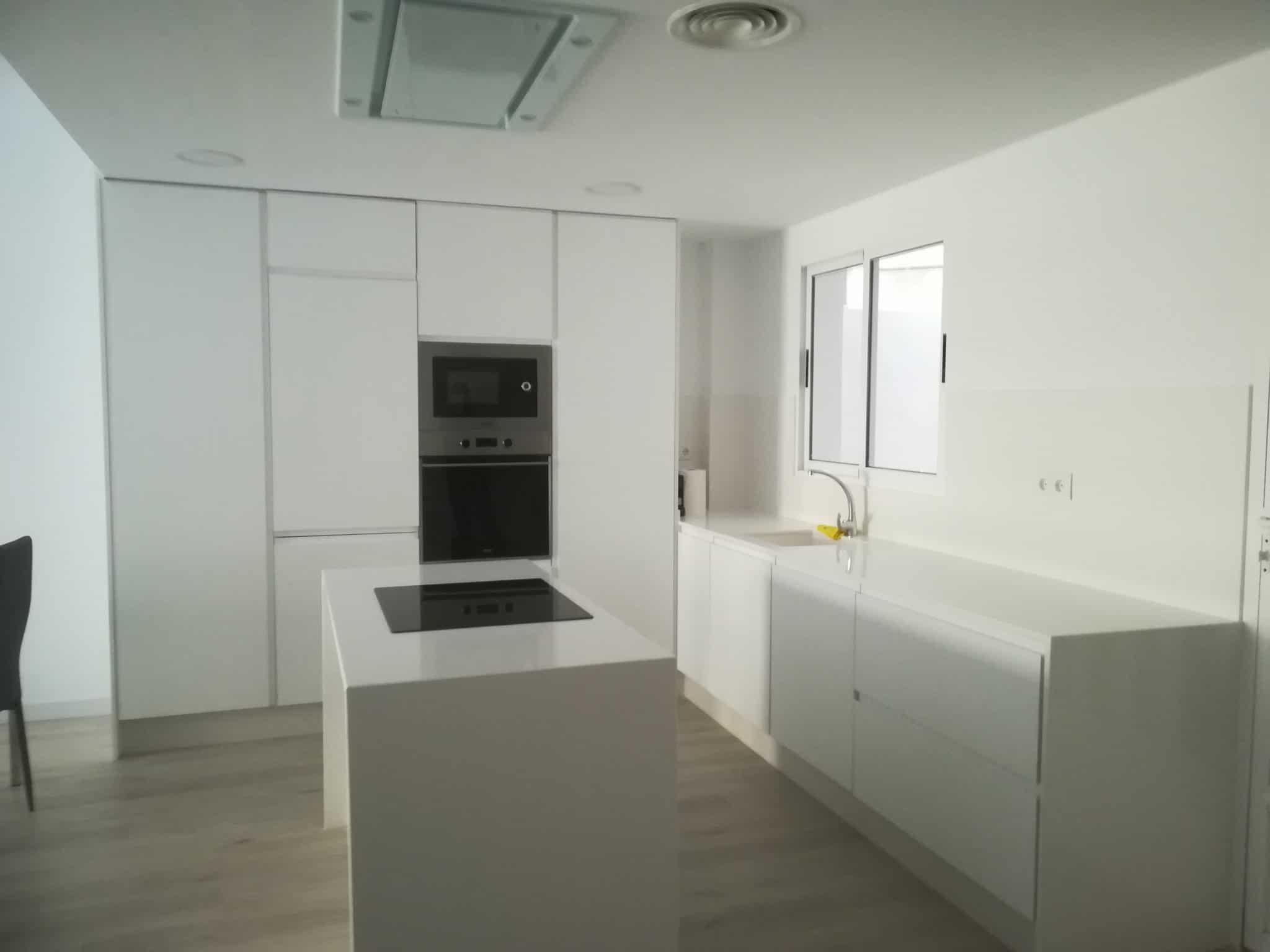 cocina-blanca-office-isla-dos