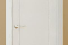 Puerta-lacada-hendidura